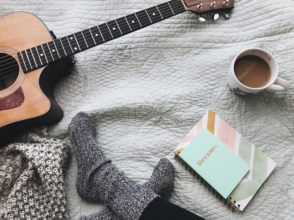 Gitarre spielen lernen – Aller Anfang ist schwer